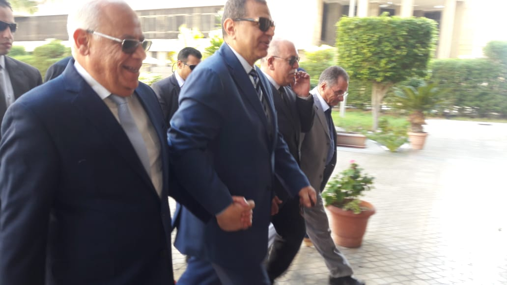 محافظ بورسعيد يستقبل وزير القوى العاملة بديوان عام المحافظة (2)