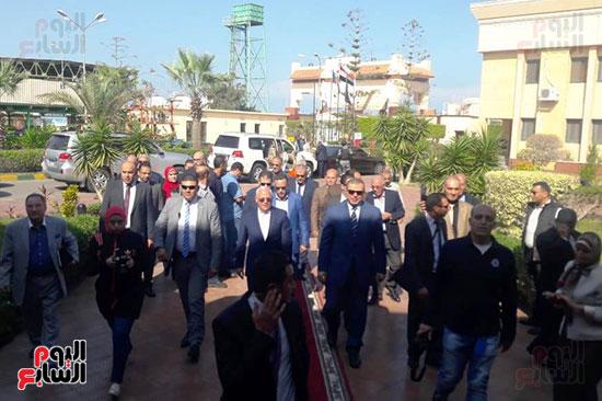 محمد-سعفان-وزير-القوى-العاملة-واللواء-عادل-الغضبان-محافظ-بورسعيد-(5)