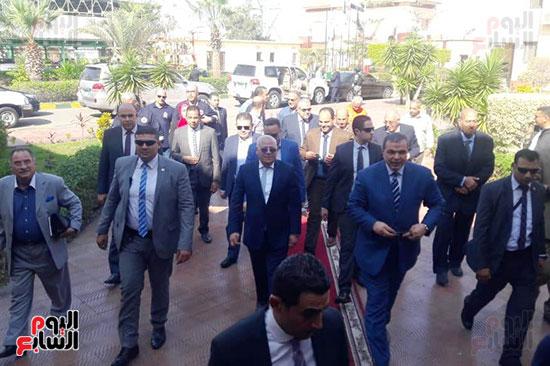 محمد-سعفان-وزير-القوى-العاملة-واللواء-عادل-الغضبان-محافظ-بورسعيد-(4)