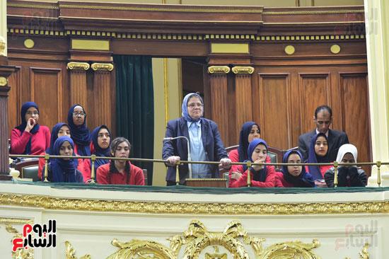 الجلسة العامة للبرلمان (6)
