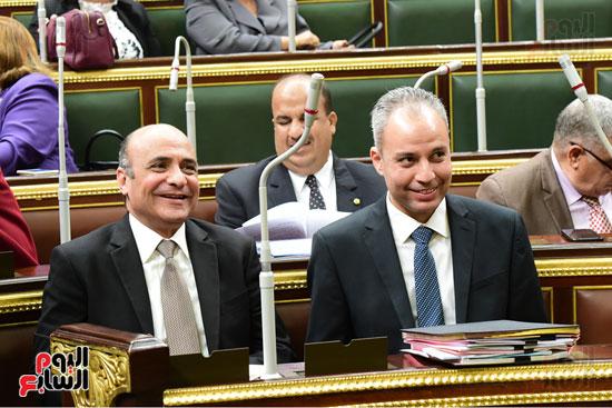 الجلسة العامة للبرلمان (1)