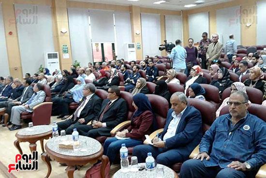 محمد-سعفان-وزير-القوى-العاملة-واللواء-عادل-الغضبان-محافظ-بورسعيد-(12)