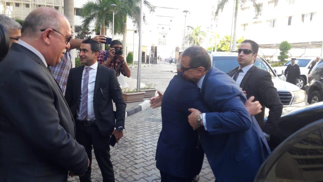 محافظ بورسعيد يستقبل وزير القوى العاملة بديوان عام المحافظة (1)