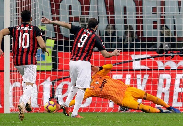 Juventus goalkeeper Ciznie Igouain has received a penalty