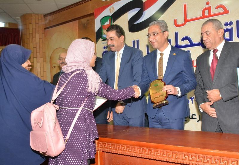 المحافظ يشهد حفل نادي قضاة مجلس الدولة لتكريم اسر الشهداء (9)
