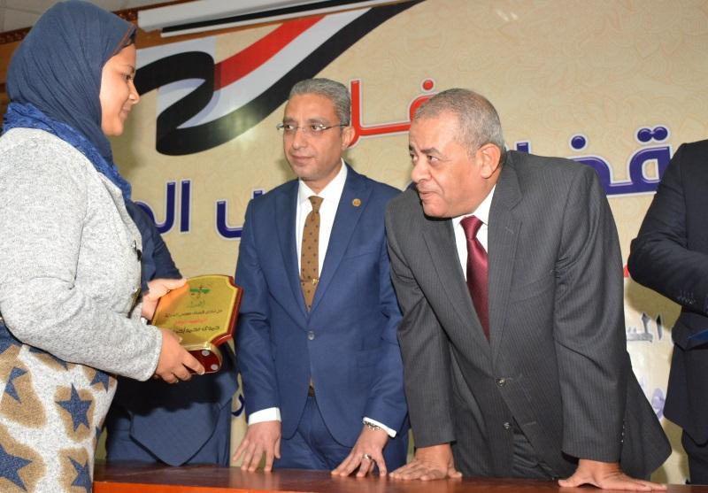 المحافظ يشهد حفل نادي قضاة مجلس الدولة لتكريم اسر الشهداء (3)