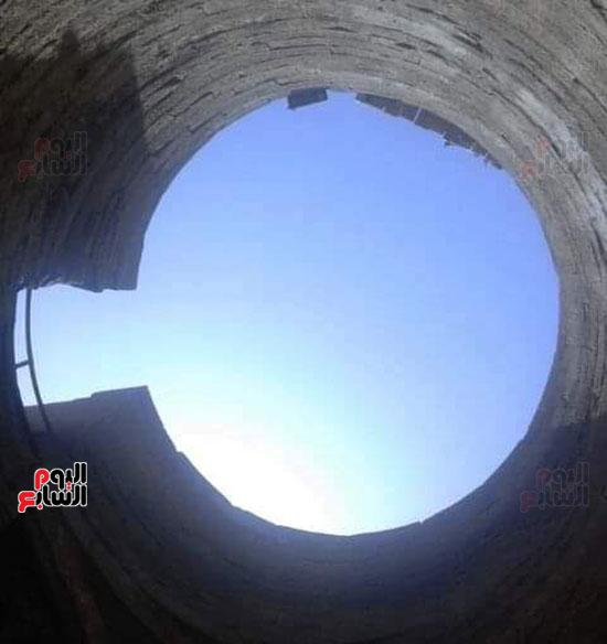 صورة-من-أسفل-المقياس-للجزء-العلوي-منة