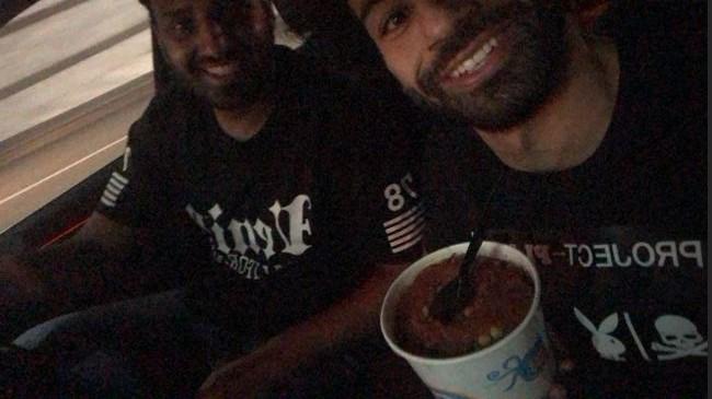 محمد صلاح يأكل الكشرى