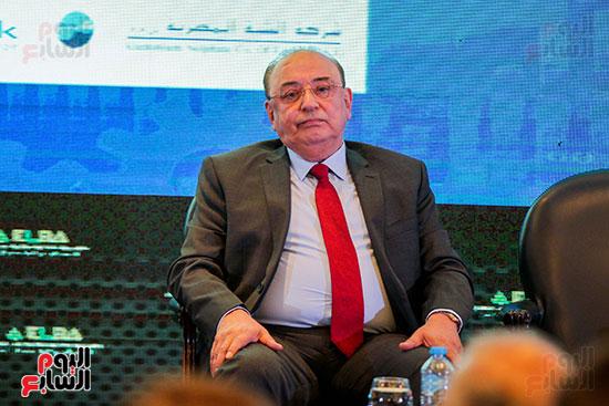 مؤتمر وزير المالية (2)