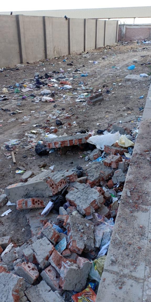 الطرق غير ممهدة  فى مشروع مبارك لللا  سكان فى دمياط  (4)