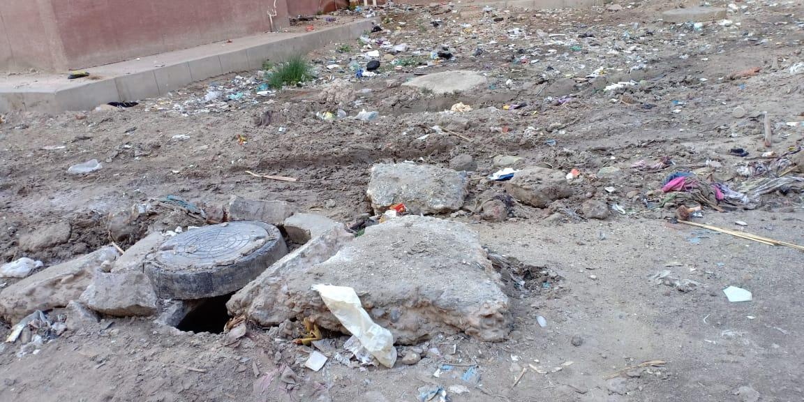 الطرق غير ممهدة  فى مشروع مبارك لللا  سكان فى دمياط  (3)