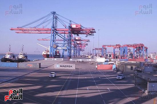 رصيف ميناء شرق بورسعيد الحالى الذى تديره شركة قناة السويس للحاويات