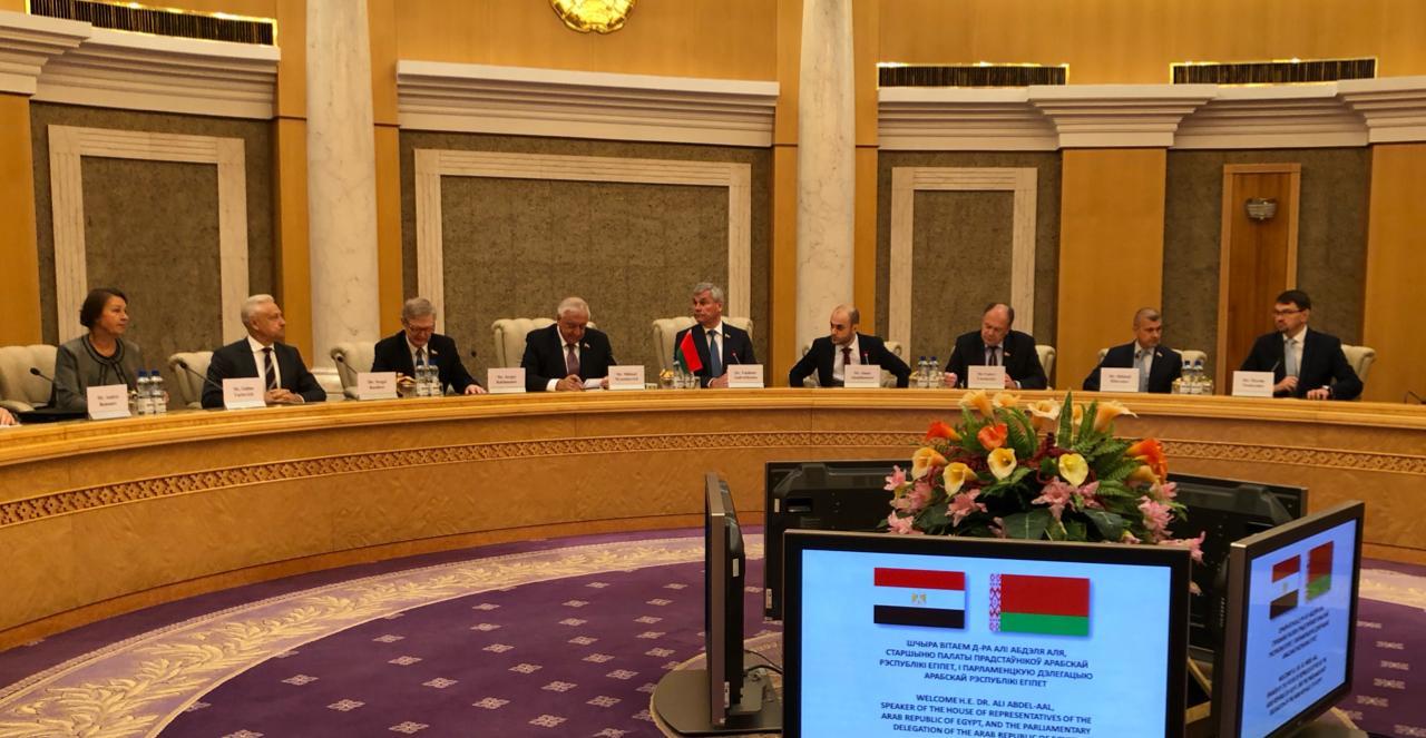 الدكتور على عبد العال يلتقي رئيسى غرفتى برلمان بيلاروسيا (8)