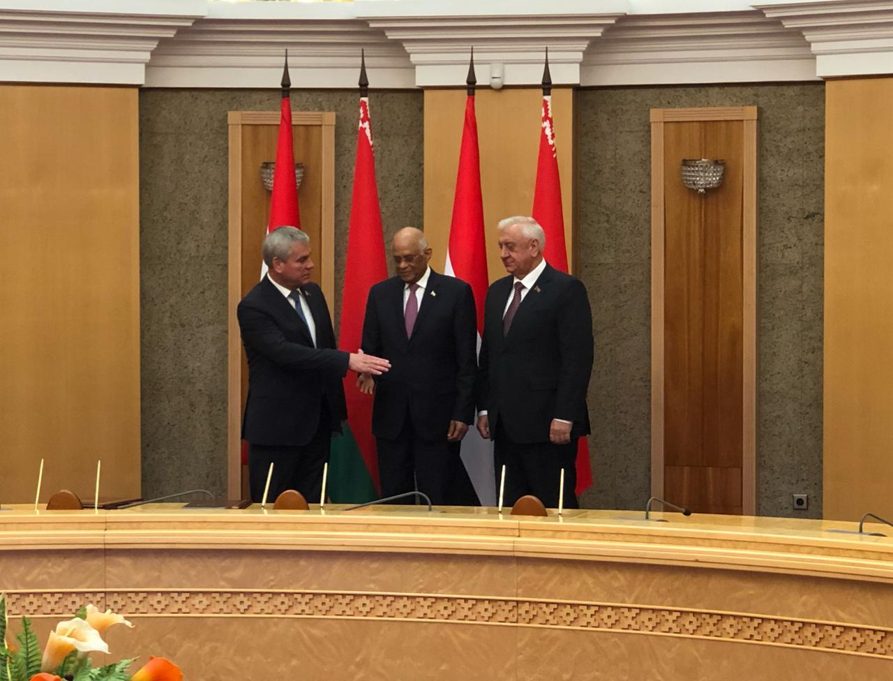 الدكتور على عبد العال يلتقي رئيسى غرفتى برلمان بيلاروسيا (2)