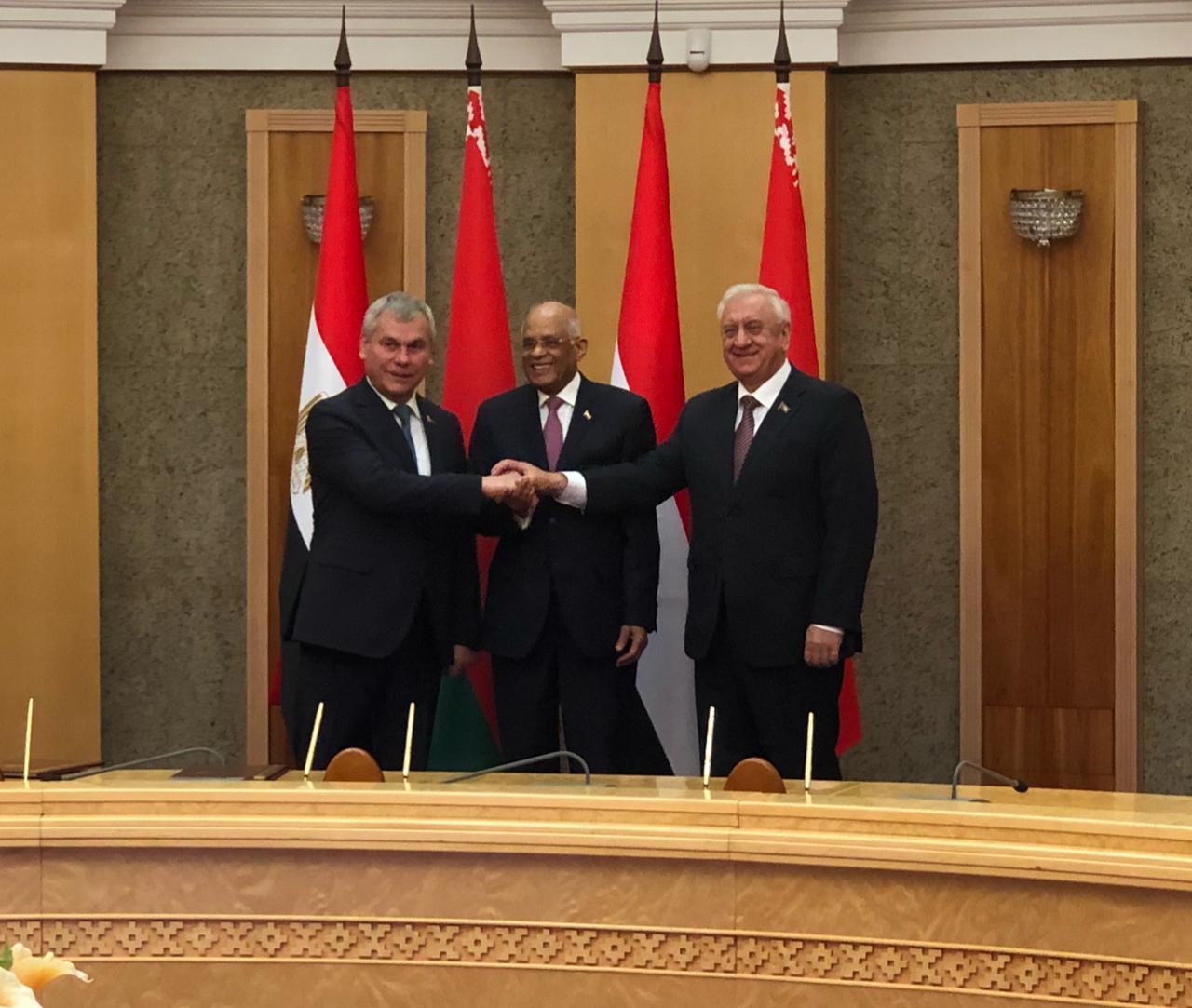 الدكتور على عبد العال يلتقي رئيسى غرفتى برلمان بيلاروسيا (3)