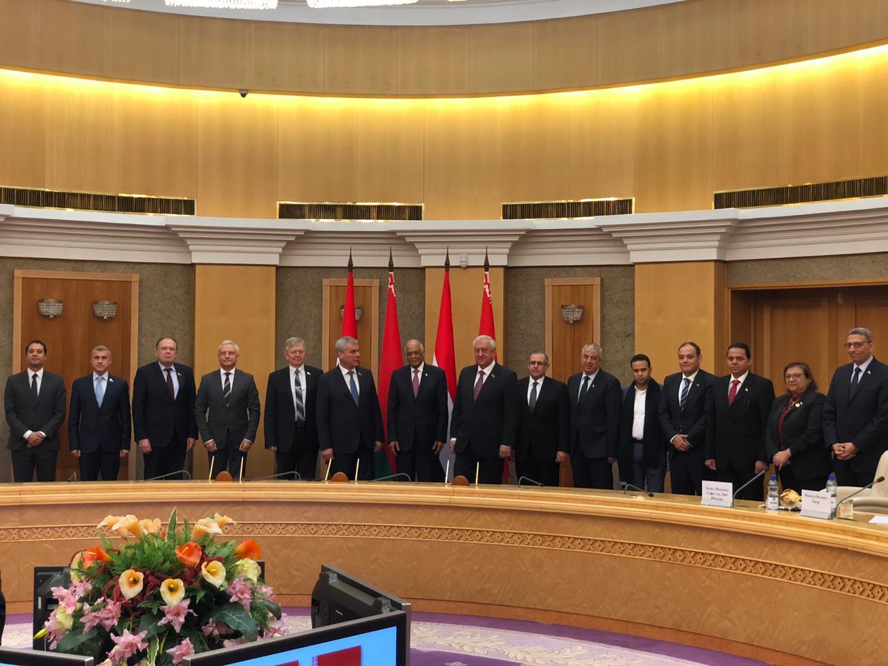 الدكتور على عبد العال يلتقي رئيسى غرفتى برلمان بيلاروسيا (4)