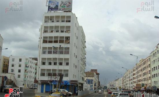 مليشيا الحوثى تترك بصماتها على شوارع عدن