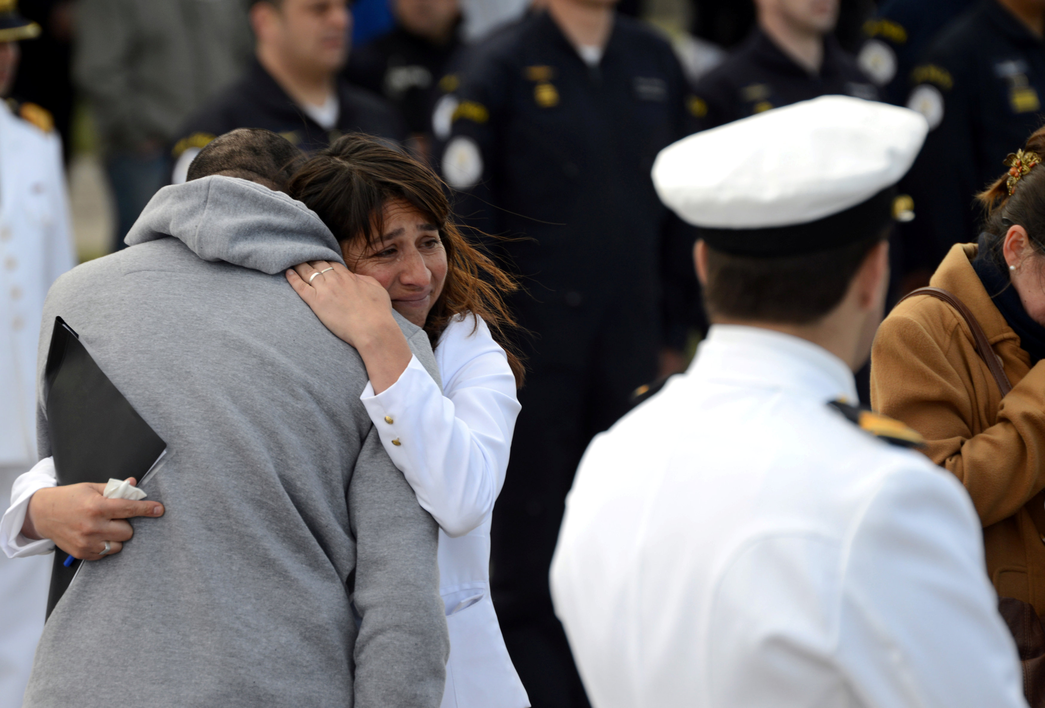 جانب من بكاء أهالى الضحايا