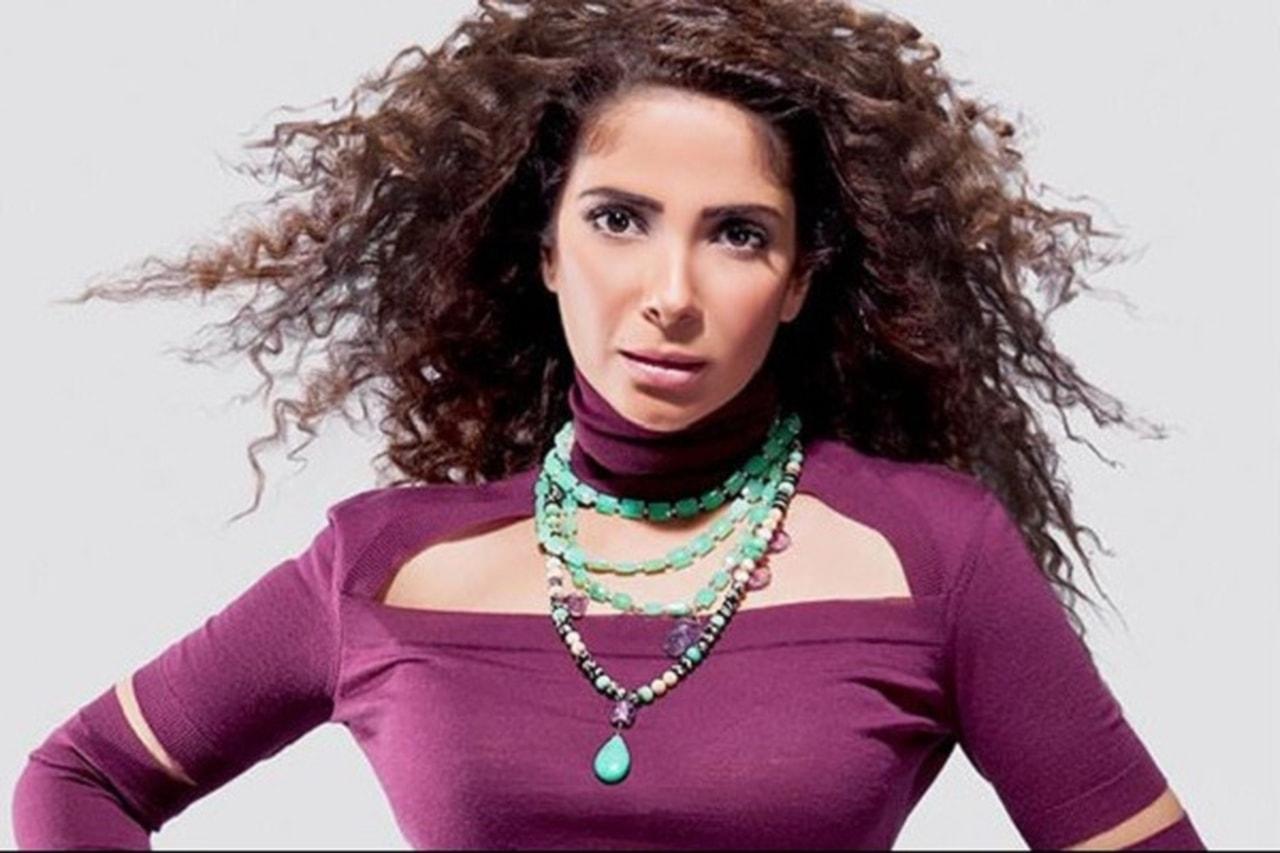 Mona Zaki (2)