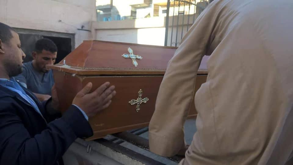 قيادات الأقصر والسفارة يدفنون سائحة فرنسية أقامت بمصر بجوار مقابر ملوك الفراعنة (3)
