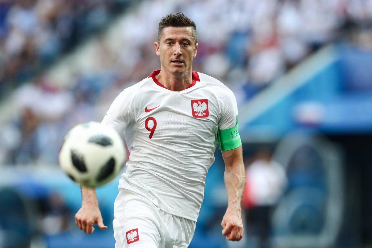 ليفاندوفسكى مهاجم منتخب بولندا