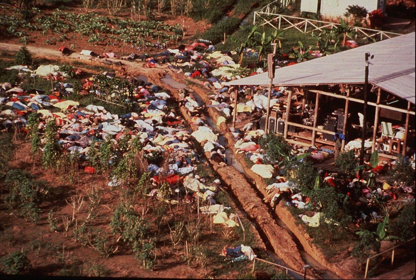ضحايا جونز تاون تناولوا السم للتخلص من حياتهم