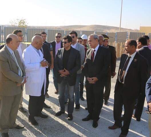 وزير الشباب والرياضة ومحافظ قنا يزوران مستشفى شفاء الأورمان بالأقصر (4)