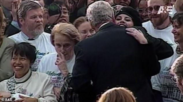 كلينتون ومونيكا قبل 20 عاما