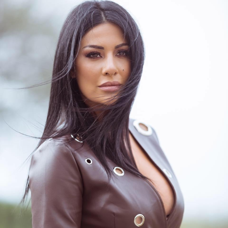 الممثلة غنوة محمود