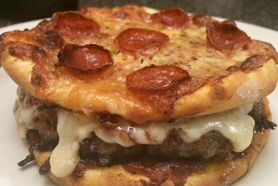 طريقة عمل برجر البيتزا (2)