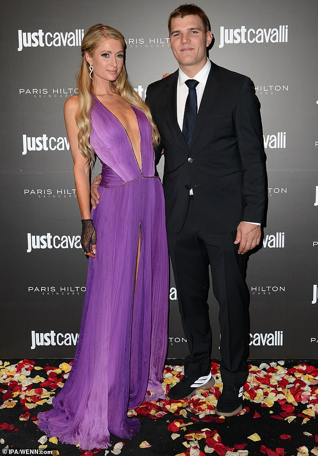 6387520-6406583-Over_Paris_Hilton_has_called_it_quits_with_her_actor_fiance_Chri-m-29_1542645828410