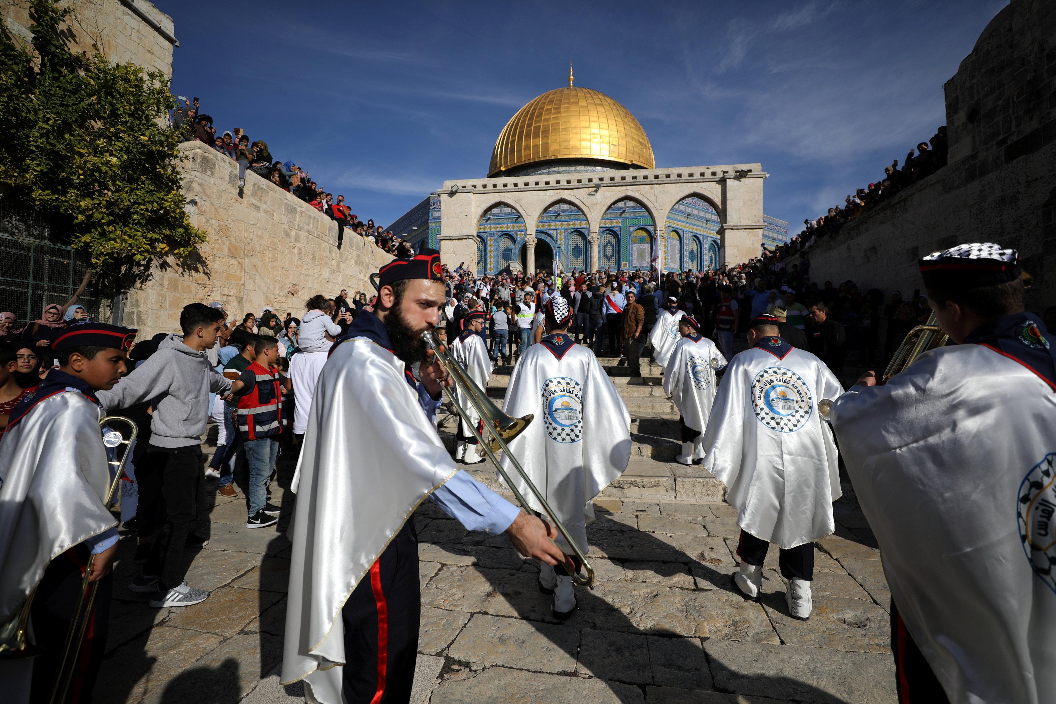 احتفالات فى فلسطين