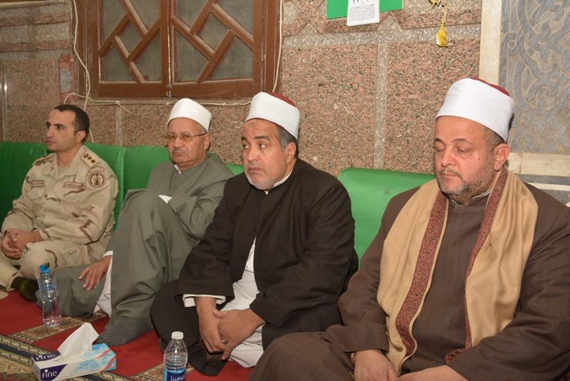 المحافظ يشهد احتفالية المولد النبوي بالعارف (5)