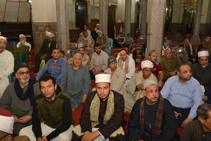 المحافظ يشهد احتفالية المولد النبوي بالعارف (6)