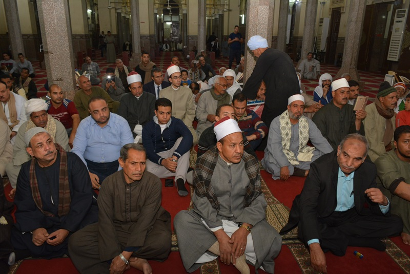 المحافظ يشهد احتفالية المولد النبوي بالعارف (8)