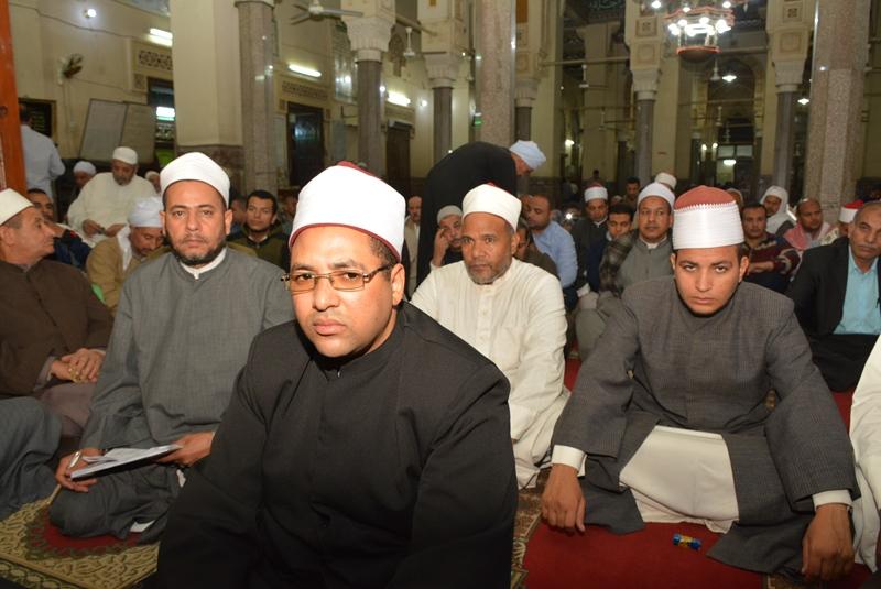 المحافظ يشهد احتفالية المولد النبوي بالعارف (3)