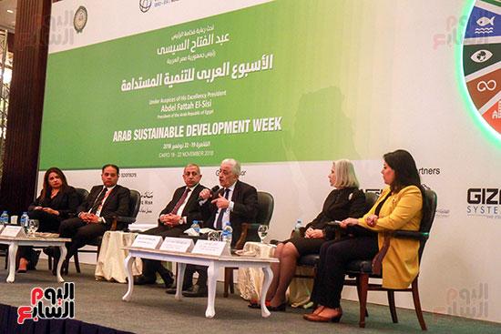 وزير التربية والتعليم بمؤتمر التنمية المستدامة (19)
