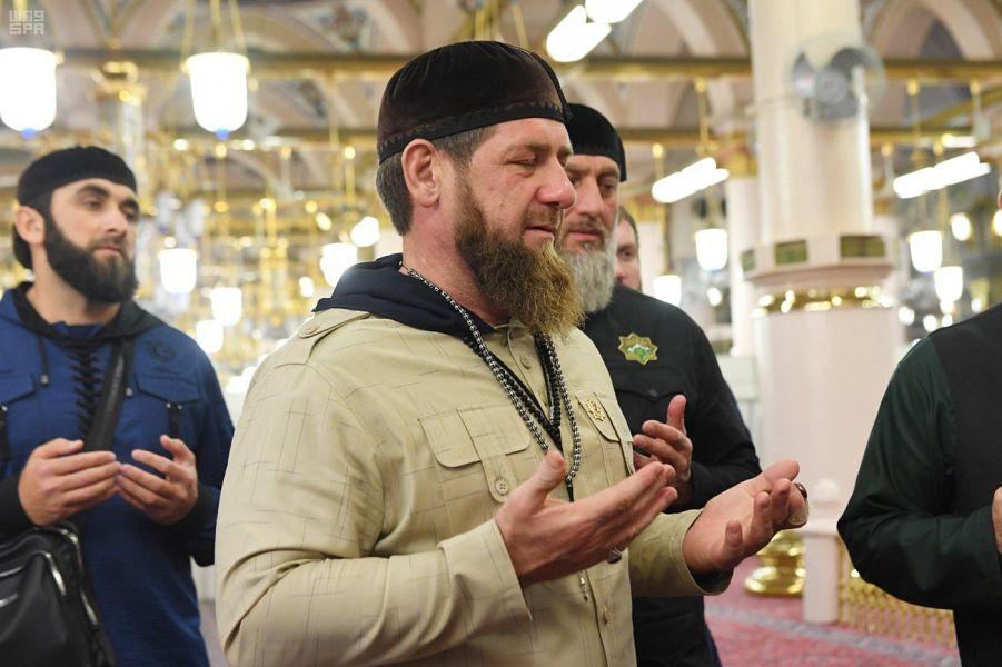 قديروف فى المسجد النبوى