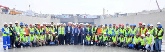 السيسى يتفقد مشروع أنفاق قناة السويس شمال الإسماعيلية (5)