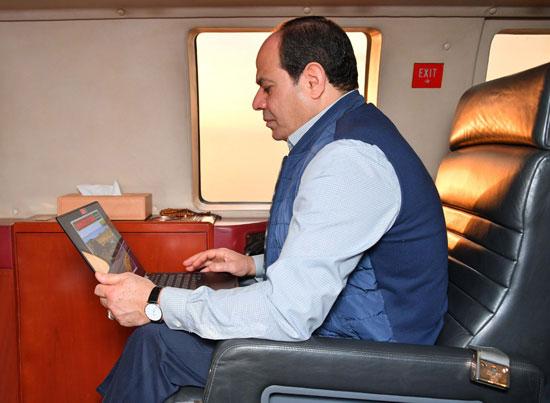 السيسى يتفقد مشروع أنفاق قناة السويس شمال الإسماعيلية (3)