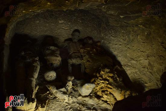 وزير الآثار يعلن اكتشاف مقبرة ثاو آر خت إف بالأقصر (17)