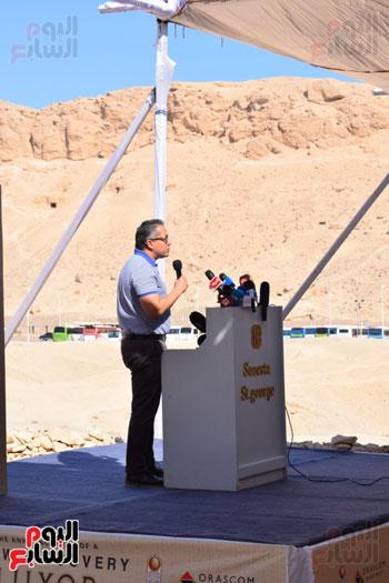 وزير الآثار يعلن اكتشاف مقبرة ثاو آر خت إف بالأقصر (4)