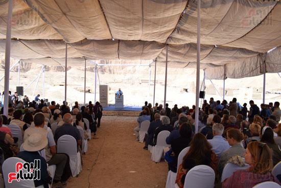 وزير الآثار يعلن اكتشاف مقبرة ثاو آر خت إف بالأقصر (6)
