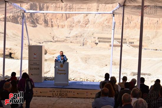 وزير الآثار يعلن اكتشاف مقبرة ثاو آر خت إف بالأقصر (5)