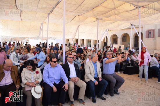 وزير الآثار يعلن اكتشاف مقبرة ثاو آر خت إف بالأقصر (1)