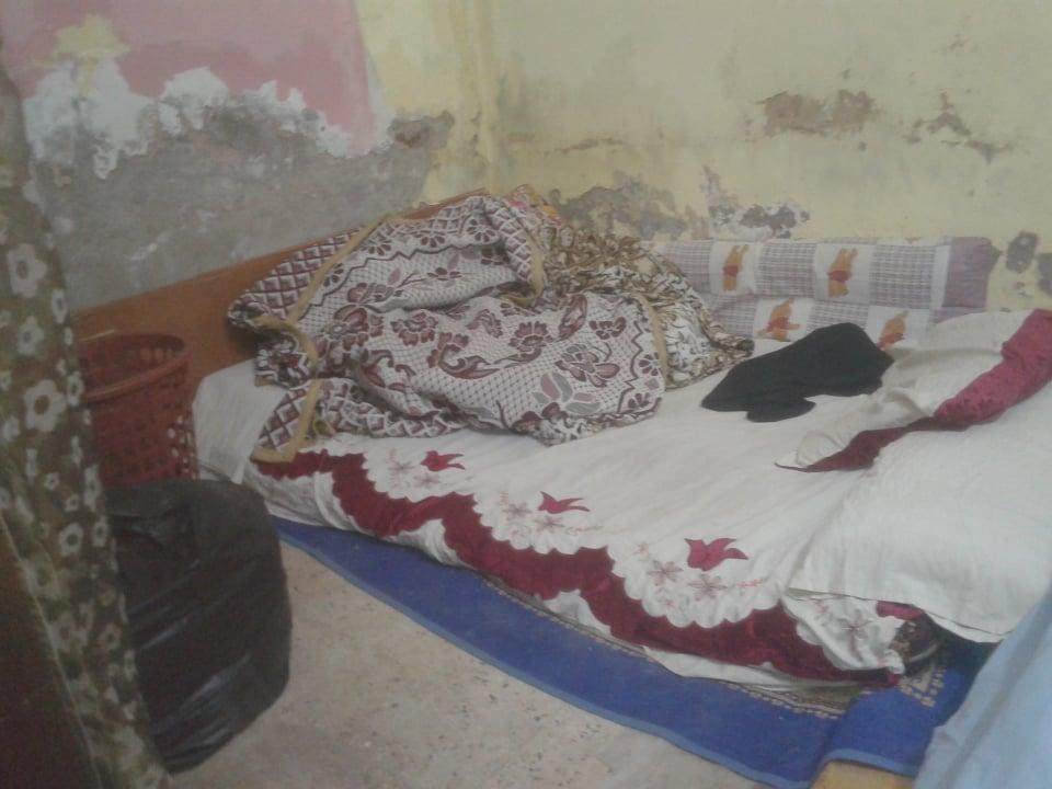 ينامون على الأرض (2)