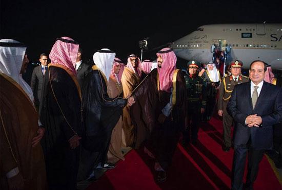 الرئيس السيسى يستقبل ولى العهد السعودى فى مطار القاهرة (7)