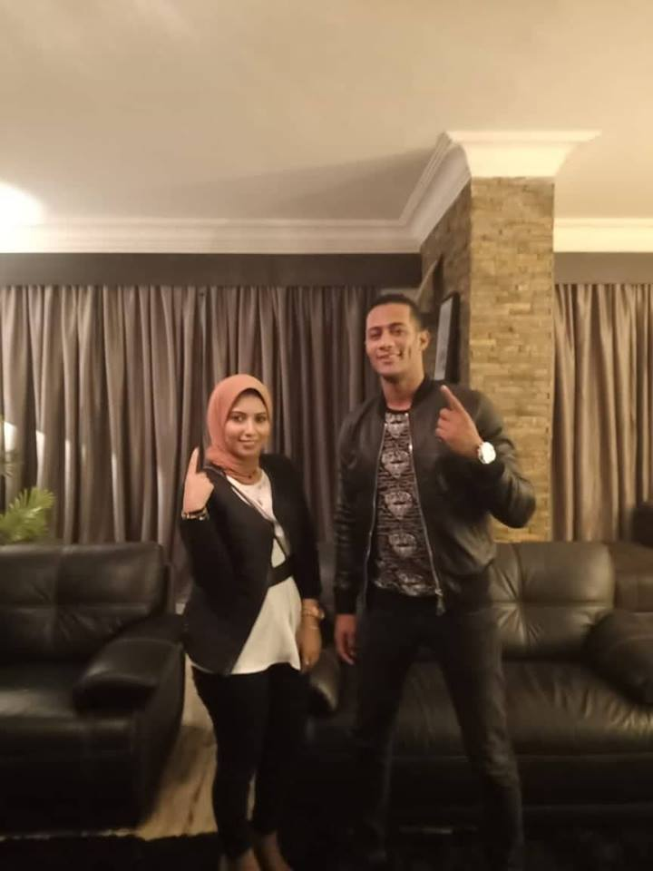 Artist Mohammad Ramadan and student Esraa al-Sebaei (1)