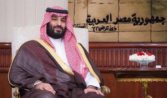 الرئيس السيسى يستقبل ولى العهد السعودى فى مطار القاهرة (2)