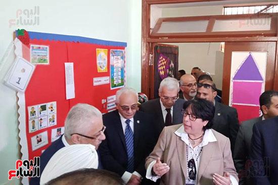 وزير-التعليم-يفتتح-المدرسة-الدولية-بالعبور-(13)